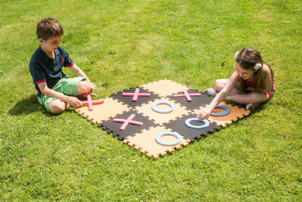 Garden Noughts & Crosses